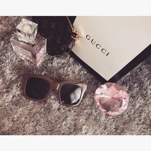 Accessories - ✨SOLD✨[boutique] sunglasses